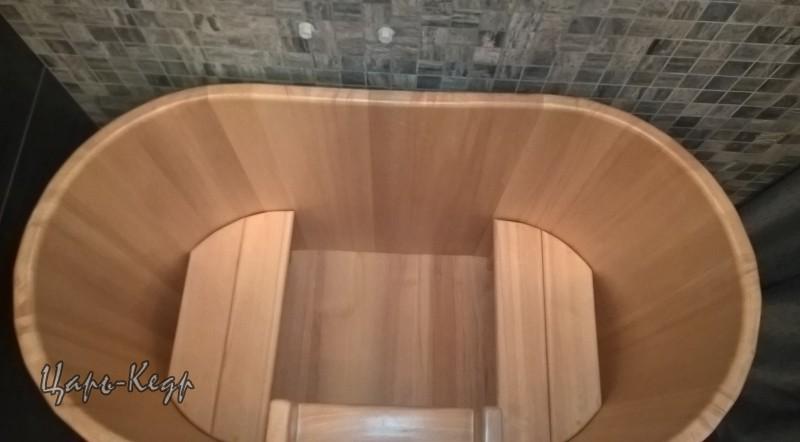 Двухместная овальная. 120*78 см