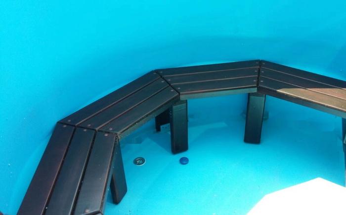 вставка из пластика для бассейнов