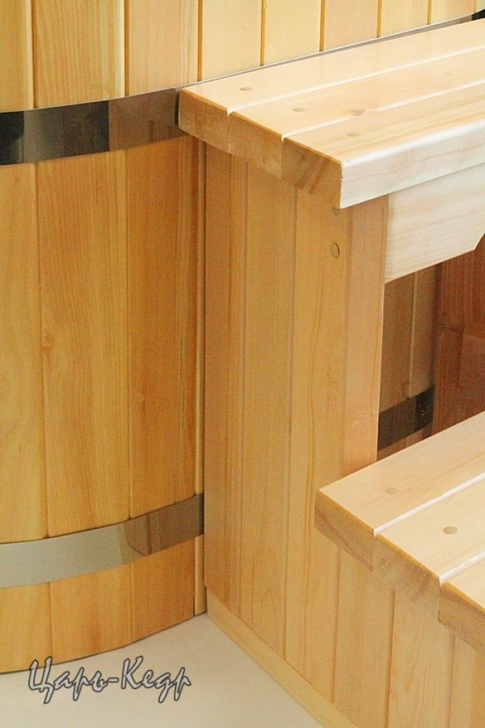 удобный подиум со ступенями в комплекте