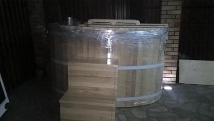 Офуро из кедра овальная 160*120 см. Двухместная.